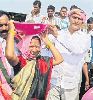 Harish Rao participates in Mission Kakatiya
