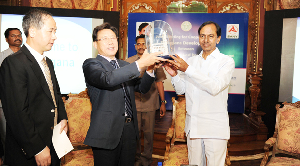 CM KCR with China Industrialists (3)