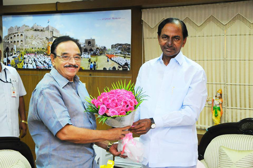 KCR-with-Kerala-minister