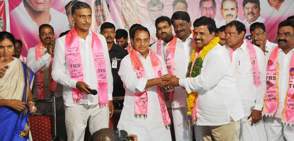 Harish Rao and Indrakaran Reddy at Medak district TRS president elections