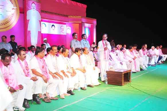 KCR addressing in Ibrahimpatnam meeting