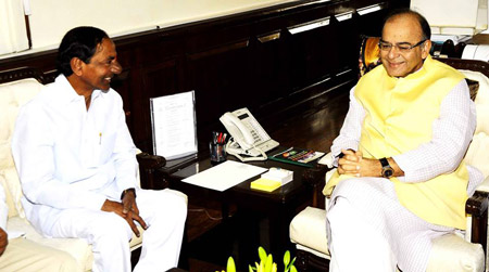 CM-KCR-met-Union-finance-minister-Arun-Jaitley
