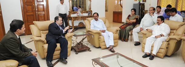 CM KCR with P&G Delegates (1)