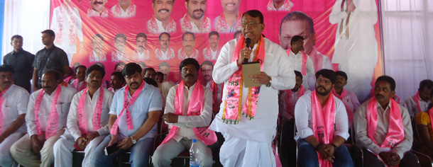 Pocharam Srinivas Reddy held a meeting with Party workers in warangal parliament segment (7)